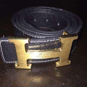 Size 30-32 Hermès belt black and gold